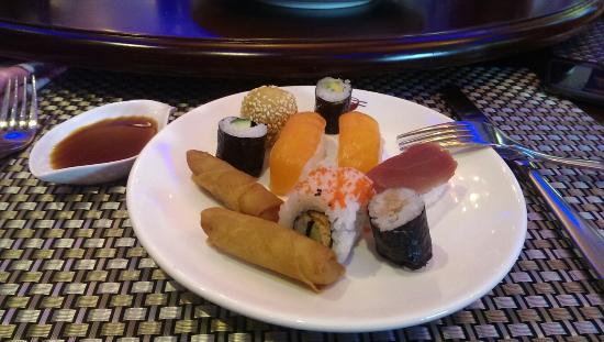 Wok Sushi Star Photo