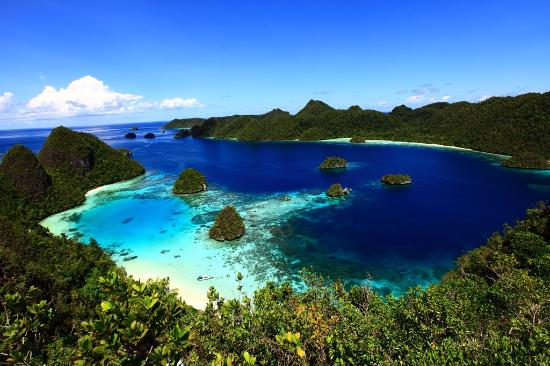 Raja Ampat, Wayag, West Papaua - Photo by Setiadi Darmawan