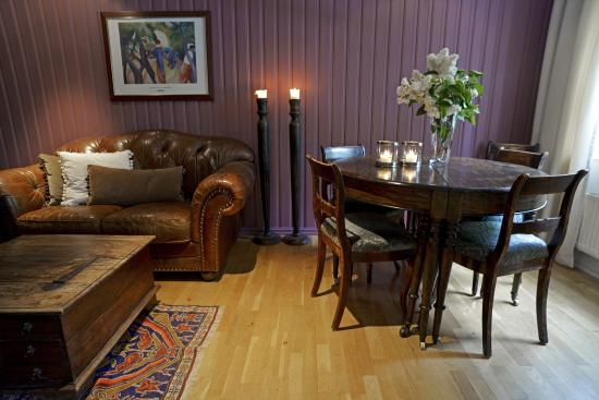 Lampeland Hotell: Salong