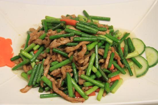 Han Dynasty: Fried garlic sprout with shredded pork