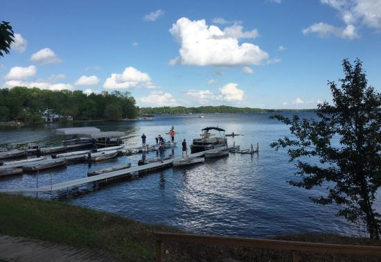 Ruttger's Bay Lake Lodge: Marina & lake