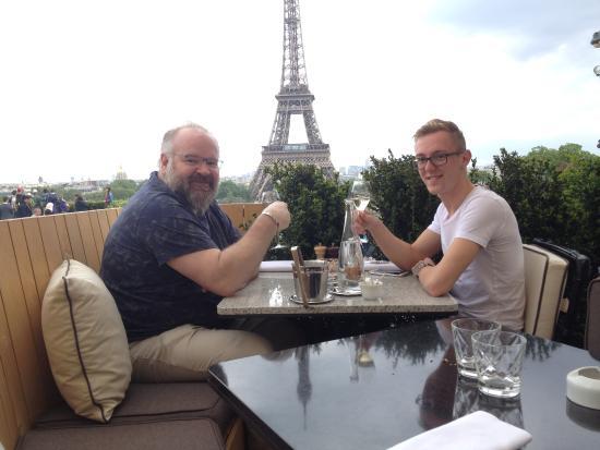 Picture of cafe de l 39 homme paris tripadvisor for Restaurant avec terrasse ile de france