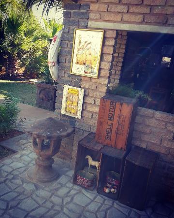 Tsumeb, Namibia: Garden decor