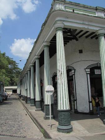 Plaza de Mercado: Una belleza de mercado para un hermoso pueblo