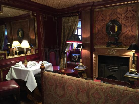 The sitting room in the Guard Room Picture of The Witchery by the