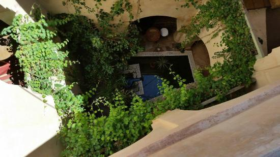 Riad les Inseparables: first courtyard