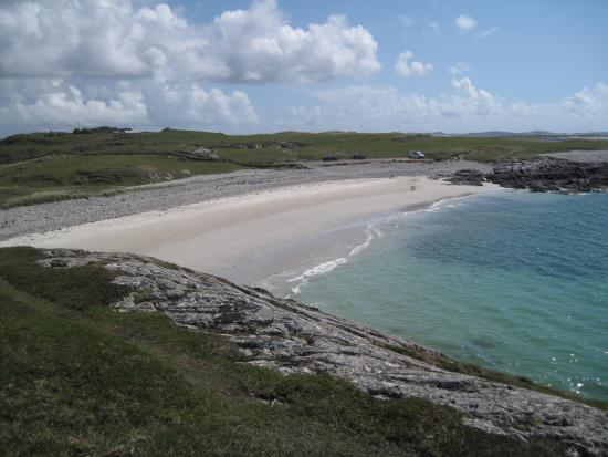 Rockmount House: Local beach Kingstown area Connemara