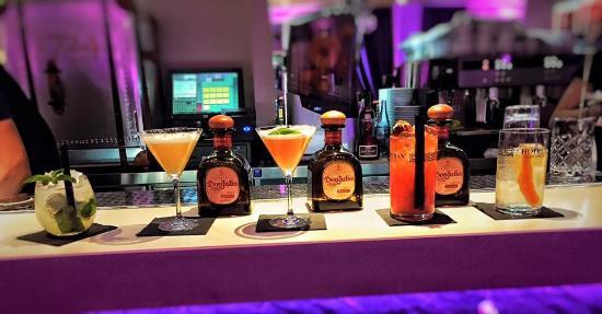 Maverick Cocktail-Bar