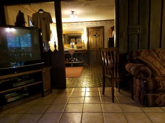 Diamond Oaks Inn Bed and Breakfast: 20160531_073825_large.jpg