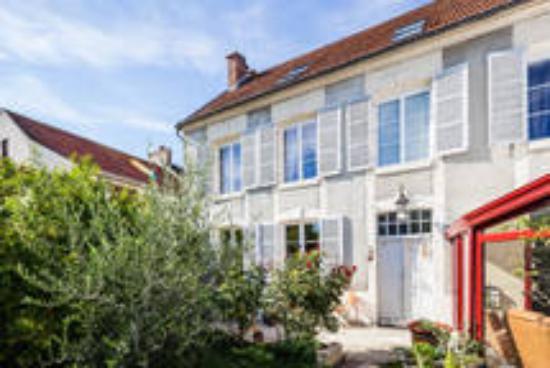 Tours-sur-Marne, Francia: Façade Maison