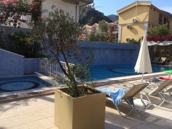 Tonoz Beach Hotel: photo2.jpg