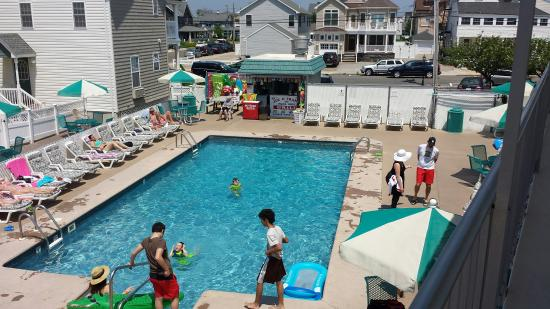Sand Pebble Motor Lodge: Memorial Day Weekend 2016 at the Pool