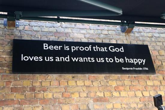 2be Beer Wall Photo