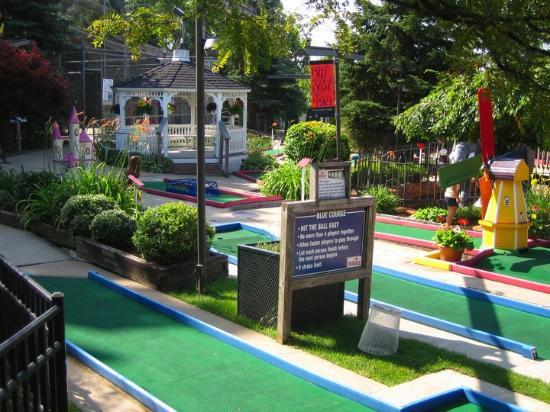 Ypsilanti, MI: Putterz Mini Golf Course