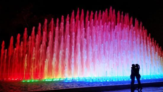 Circuito Magico Del Agua : Foto tirada na quot fonte arco iris no circuito magico das
