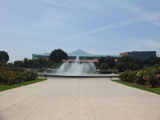 Exposition Park: 大きな噴水