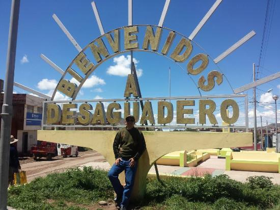 Desaguadero, Perú... parada obligatoria en la frontera Perú-Bolivia