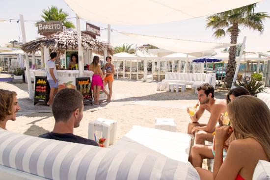 Il fruit bar del fantini club picture of fantini club cervia
