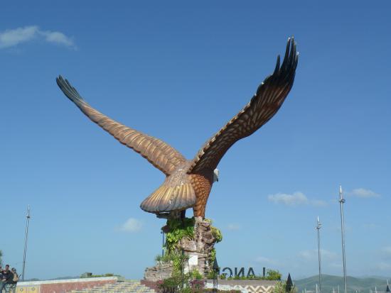 Langkawi Tour - Day Tours: Langkawi Eagle Overlooking the Harbor