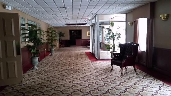 Lancaster, NY: Entrance to banquet halls