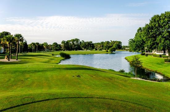 Crane Lakes Golf & Country Club
