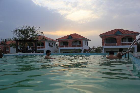 show user reviews shantigiri ayurveda grand baie