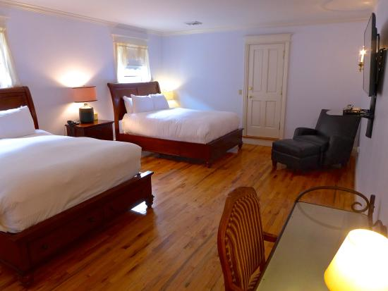 Fly Creek, NY: Peach Suite