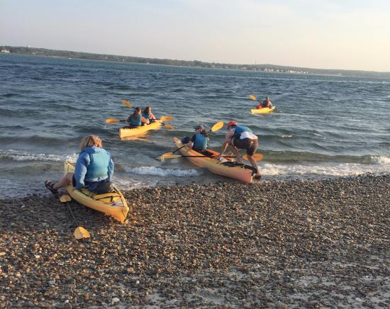 Long Pasture Wildlife Sanctuary : getting into kayaks and headed back to Sanctuary