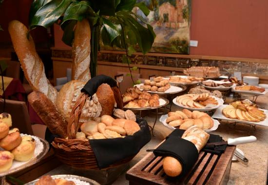 Alejandro I Hotel International Salta: Buffet Breakfast  -Desayuno Buffet