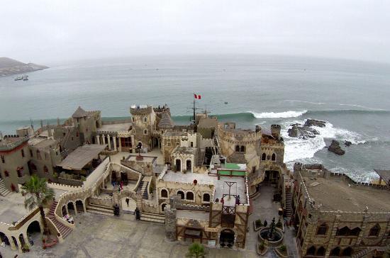 Chancay, Peru: Vista desde un drone del Castillo
