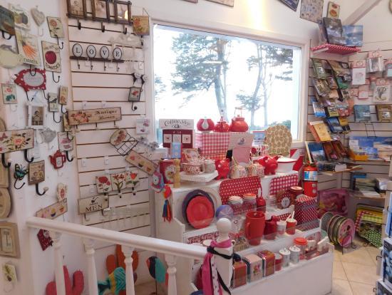 La tienda de regalos picture of la cabana casa de te for Casa regalo