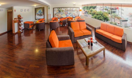 Miraflores Suites Centro: Lobby 1