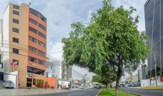 Miraflores Suites Centro: Frontis 2