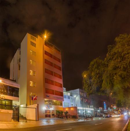 Miraflores Suites Centro: Hotel Night