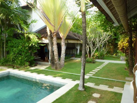 Goddess Retreats: Main villa, looking into the outdoor yoga studio