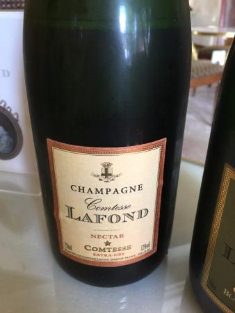 Champagne Comtesse Lafond : We bought a bottle of the Nectar