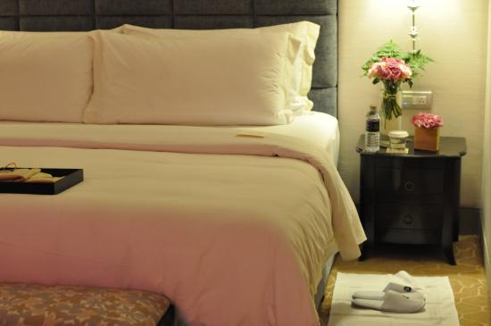 The St. Regis Bangkok : John Jacob Astor master bedroom