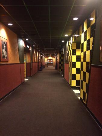 Movie Entrance Hall Right Picture Of Cinemark Movies 10 Plano Tripadvisor