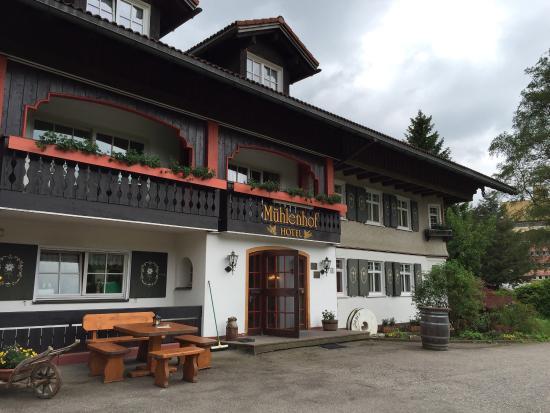 Hotel Muehlenhof: Blick auf den Eingang (Außenansicht)