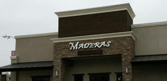 Maderas Steak & Ribs: Front entrance