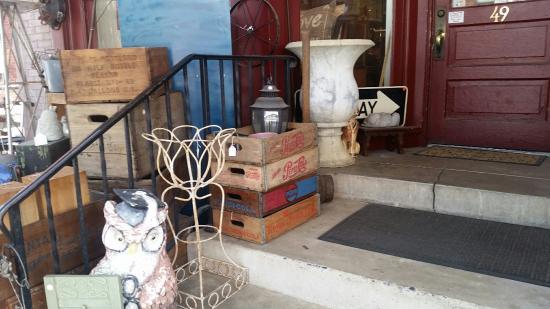 Lititz, PA: Kirsch's Antiques