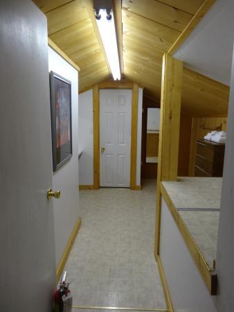 Smiley Creek Lodge: Das Bad