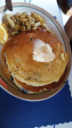 Verona Beach, NY: Blueberry Pancakes
