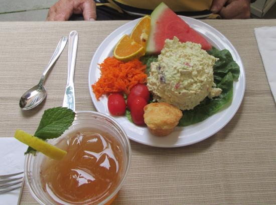 Grace Church Cathedral: Chicken salad plate