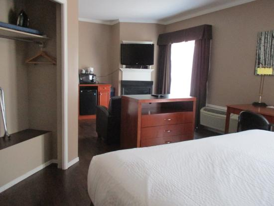 Days Inn Canmore: Guestroom