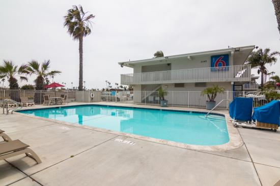 Motel 6 Ventura Beach : Pool