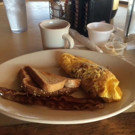 New River, AZ: Omelet with bacon