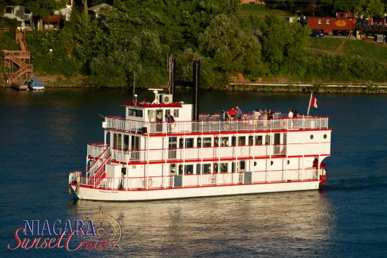 Niagara Sunset Cruises - Niagara Belle