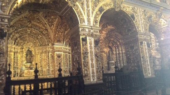 Basilica Cathedral : Lateral da igreja.
