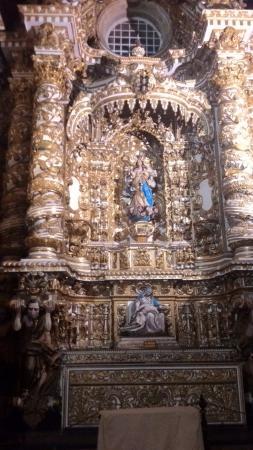 Basilica Cathedral : Altar mor.